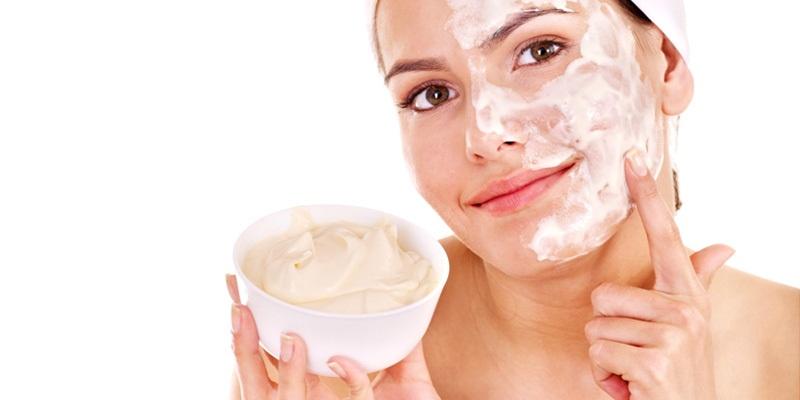 axit lactic có trong sữa chua làm mờ dần các vết nám