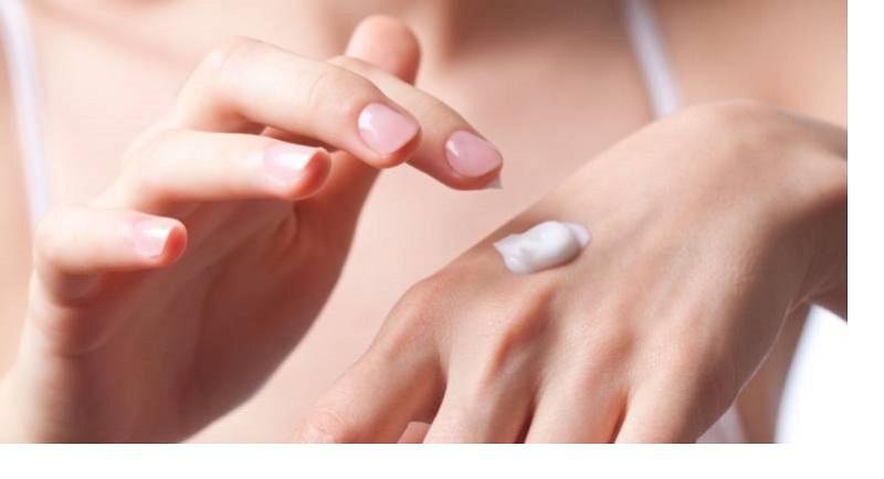 sản phẩm bôi thoa điều trị nám thường chứa các thành phần như hydroquinone corticosteroids tretinoin